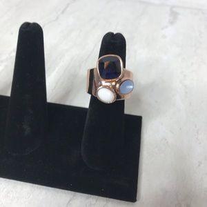 🌻4/$14 Rose gold three stone stretch ring